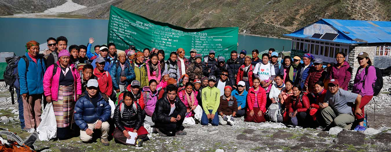2014-annual-cleanup-participants-at-gokyo-copy.jpg